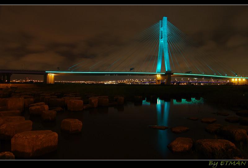 快完成的閃爍霓虹斜張橋 新北大橋 (補一些照片)