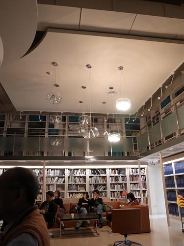 好漂亮的圖書館