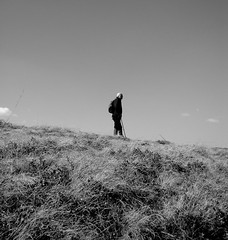 magasles (debreczeniemoke) Tags: blackandwhite bw white black grass spring hiking altitude transylvania ff tavasz erdély túra izvoare fű magasles forrásliget