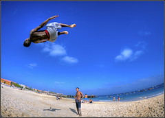 I believe I can fly...[Explored] (iPh4n70M) Tags: blue sky people sun verde photography flying photo cabo raw photographer photographie vert fisheye cap photograph single tc nikkor 16mm hdr photographe nikkon voland d700 tcphotography ph4n70m iph4n70m tcphotographie