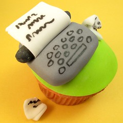 typewriter cupcake (thedecoratedcookie) Tags: poetry writer fondant cupcaketopper