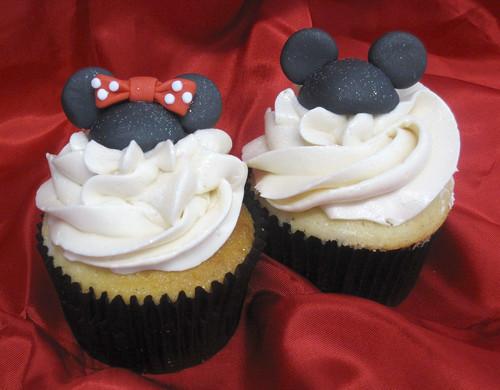 Mickey & Minnie Cupcakes