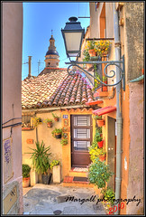 Menton's little street - Hdr by Margall - (Margall photography) Tags: house france colors canon photography raw di marco provence 18 55 colori francia ef hdr menton alleys provenza mentone 30d vicoli x3 3x galletto margall