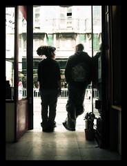 at the door (maruan's travel [a bit away.. vEEEry busy]) Tags: talking nuno dreadlock rastas leonor intheshop conversando naloja