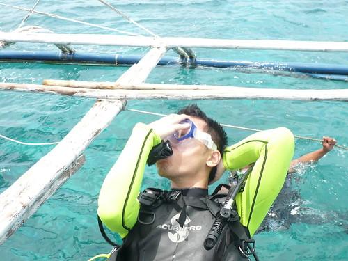這是我的專業水肺下水示範動作