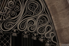 Palau Gell (iJuliAn) Tags: barcelona architecture 50mm spain artnouveau palais catalunya espagne palau mtal barcelone fer architecte antonigaudi palaugell catalogne forg ijulian palaisgell