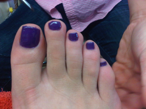 Pedicure in purple