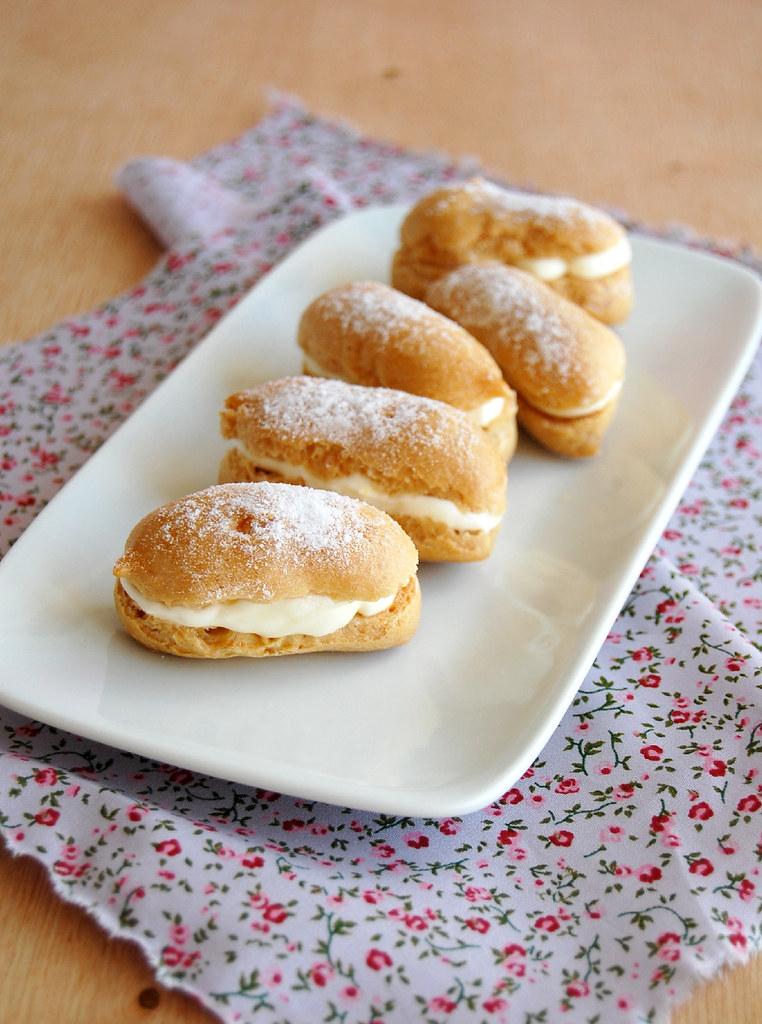 Lemon cream éclairs / Éclairs de limão siciliano