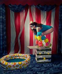 clavadista - Revista Bacanika (maria flash) Tags: cortina pool de model circo circus maria flash piscina modelo suit kathy bathing bao vestido elisa duque trampolin contacto saskya basico flotadores bacanika