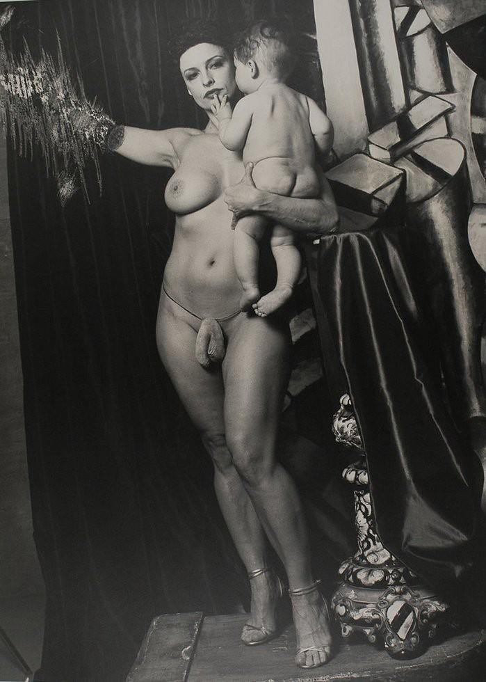 эротические фотографии женщин гермафродитов