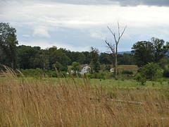 7363 Trostle Farm, Gettysburg (lcm1863) Tags: sky history field grass clouds farmhouse nationalpark pennsylvania farm military scenic meadow september pa gettysburg civilwar historical battlefield cwt12bf