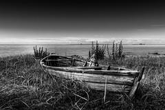 The old boat. (J. Pelz) Tags: wood fishing blackandwhite boat ocean landscape woodboat mood gotlandslän sweden se black white