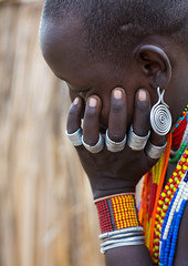 Erbore tribe woman with rings and earrings, Omo valley, Murale, Ethiopia (Eric Lafforgue) Tags: adult africa africanculture anthropology arbore beautiful day decoration developingcountry earring earrings eastafrica erbore ethiopia ethiopia0617372 ethiopian female hand hornofafrica jewel jewellery jewelry murale necklaces omovalley onepersononly onewomanonly outdoors rings traditionalclothing tribal tribe vertical weito et