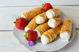 Whipped cream Horns & strawberry