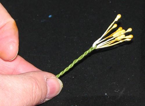 #12 - Crepe Paper Poinsettia 010