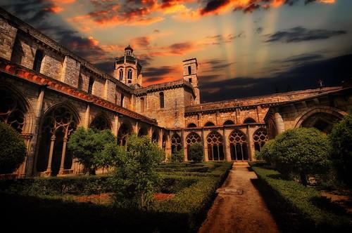 フリー画像| 人工風景| 建造物/建築物| 教会/聖堂| サンタス・クレウス修道院| スペイン風景|      フリー素材|