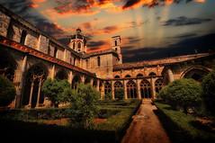 [フリー画像] [人工風景] [建造物/建築物] [教会/聖堂] [サンタス・クレウス修道院] [スペイン風景]      [フリー素材]