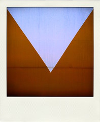 Our V (Jeremy Stockwell) Tags: white abstract gold nikon triangle geometry v rv camper d40 poladroid jeremystockwellpix nikond40