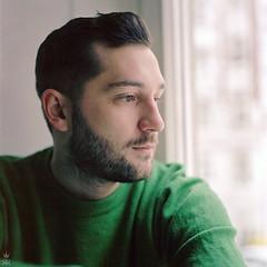 . (romanraetzke) Tags: winter portrait man male green face beard gesicht colours kodak hamburg bart bronica mann grün farbe portra blick pullover ihatemyscanner 160nc s2a