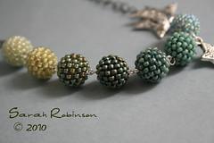 Beaded beads en verde y azul (LaChicaDeLosAnillos) Tags: blue verde green azul star necklace collar miyuki estrella seafoam seedbeads beadedbead tqb bolaforrada
