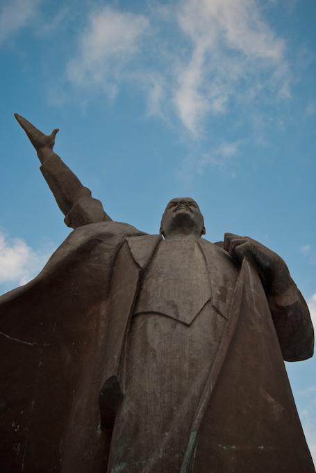 #LeninMoetBlijven