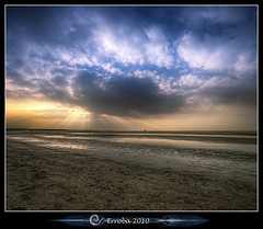 Sunburst @ Cadzand beach :: Holland :: Vertorama (Erroba) Tags: sunset sea sun holland beach water clouds photoshop canon reflections rebel sand belgium tripod nederland thenetherlands sigma tips sunburst remote rays 1020mm erlend hdr cadzand cs3 3xp photomatix tonemapped tonemapping xti 400d vertorama erroba robaye erlendrobaye