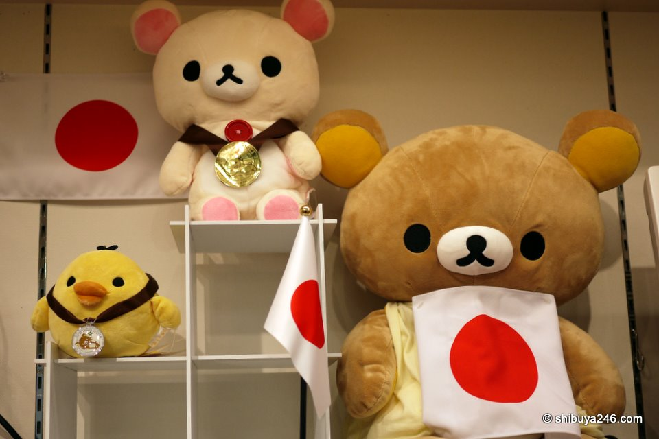 The Winter Olympics in on in Canada and Rilakkuma, Korilakkuma and Kiiroitori are putting in their support. Looks like Korilakkuma took the gold medal here.