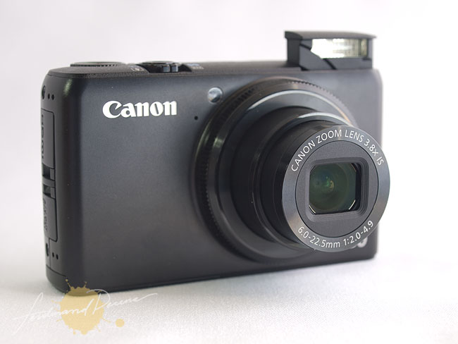 The Canon PowerShot S90