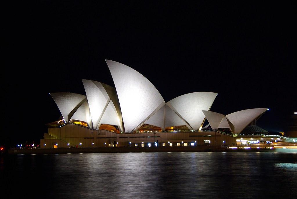 遲來的雪梨跨年煙火秀