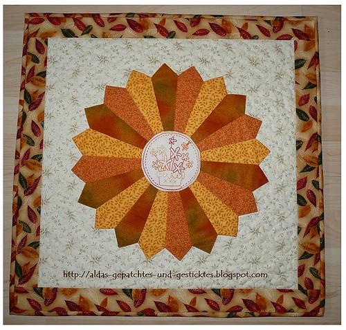 The Birdhouse-Daisypot im  Dresden Plate Quilt 11.1