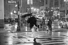 mdpny_0210_snowstorm_06 (mdpNY) Tags: 34thstreet midtown empirestate blizzard snowpocalypse mdpny nycsnowstorm snowicane