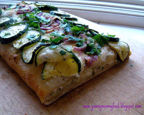 cheesy flatbread with zucchini and onions