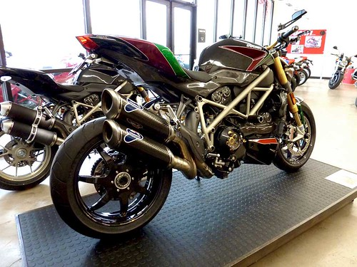 Ducati Streetfighter Custom Paint