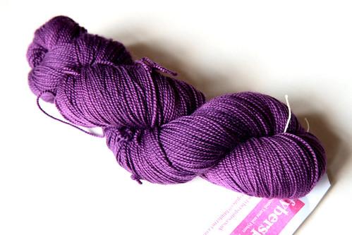 Fyberspates Sheila's Sock in 'violet'