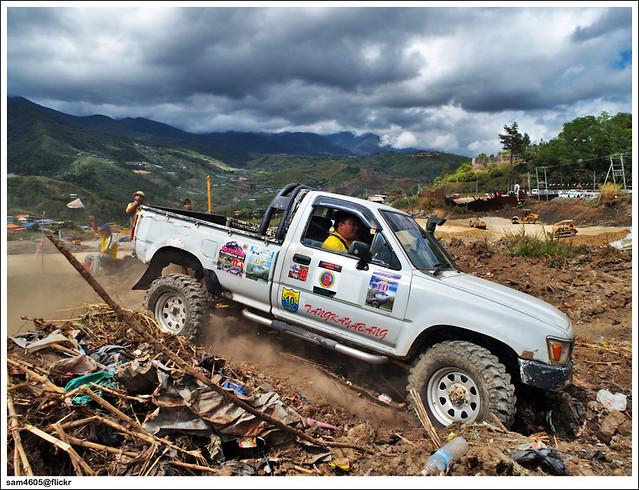 Toyota Hilux LN106 Tangkayabang