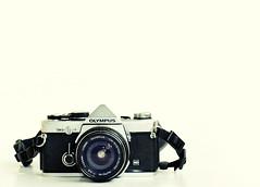 Olympus OM-2n & OM Zuiko 2.8/24 (mr. Wood) Tags: camera digital lens eos body 24mm om zuiko optics om2n 400d