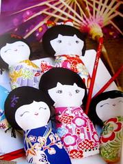 Kokeshi dolls- Detalhe (Bau de pano) Tags: me de pano artesanato craft australiano papa livro bolsa bicho melly tutorial molde importado