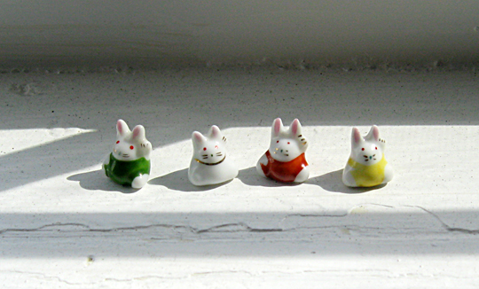 tiny bunny figurines