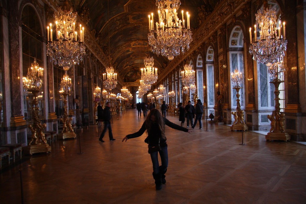 girl inside castle versailles