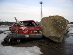 (neppanen) Tags: snow car finland helsinki demolition fin carwreck kalasatama discounterintelligence sampen