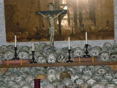 100414_Hallstatt 097 (Tauralbus) Tags: friedhof cemetery skull austria österreich oberösterreich weltkulturerbe hallstatt upperaustria schädel beinhaus totenkult totenschädel unescoweltkulturerbe