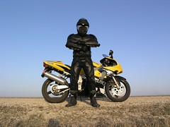 P4172859 (launchcomplex39) Tags: dark icon batman knight sportbike suzuki leathers ud variant replicas alpinestars