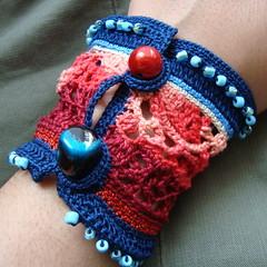 BC5.2010 Cuff Crochet Freeform