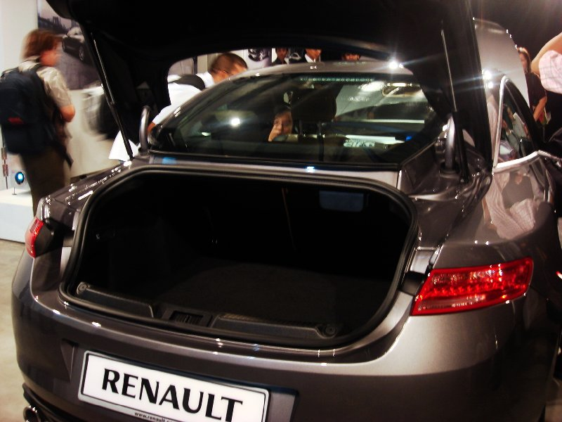 Renault Laguna Coupe9