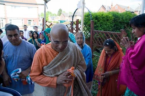 H H Bhakti Caru Swami 2010 - 0033 por ISKCON desire tree.