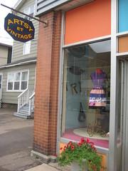 Artsy et Vintage - Moncton, New Brunswick (spin off stuff) Tags: new brunswick moncton clothingshop artsyetvintage