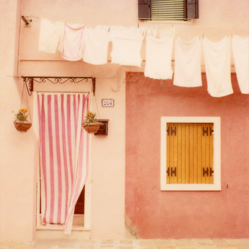 Laundry day / Irene Suchocki