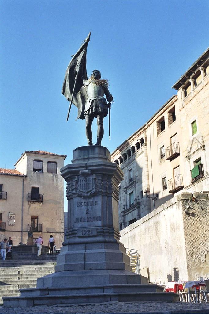 Monumento al comunero Juan Bravo en Segovia