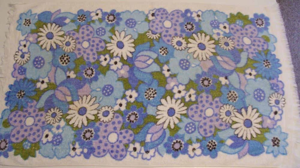 Vintage Floral Towel 3