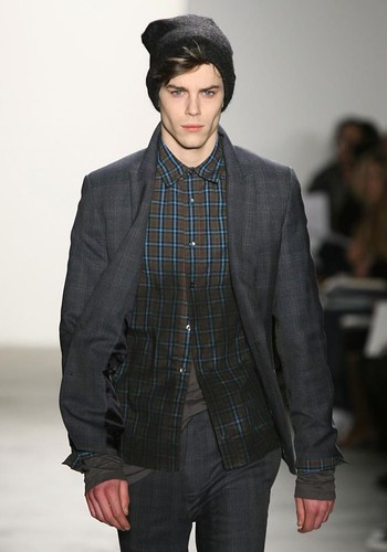 Jeremy Young3199_FW10_NY_Richard Chai_HQ(coutorture com)